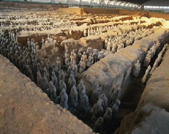 完整的 - Picture of The Museum of Qin Terra-cotta Warriors ...  完整的 - Pic...