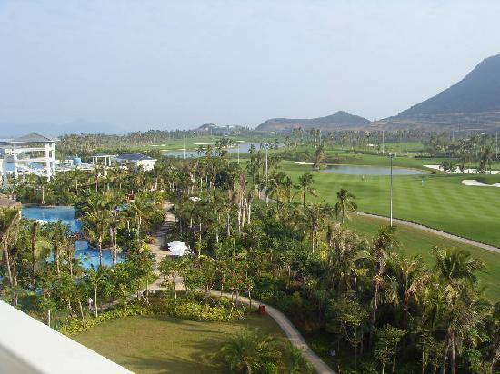 Sanya, China: 最方便就是住在高尔夫酒店了!