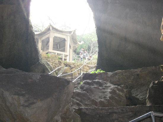 Zhanggong Cave : 阳光