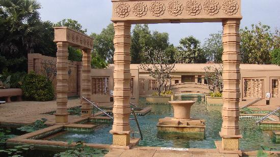 Le Méridien Angkor : 泳池