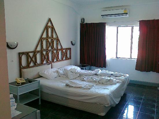 Basaya Beach Hotel & Resort: 客房内