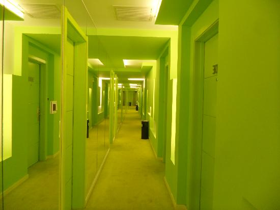 Fashion City Theme Concept Hotel Qingdao Chengshi Kongjian: 眼睛一亮