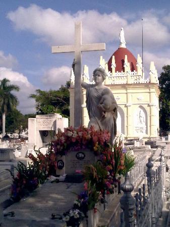 Christopher Columbus Cemetery (Cemetario de Colon): Sra. Amelia之墓