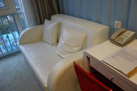 Cargo Hotel Shenzhen: 精致的皮沙发