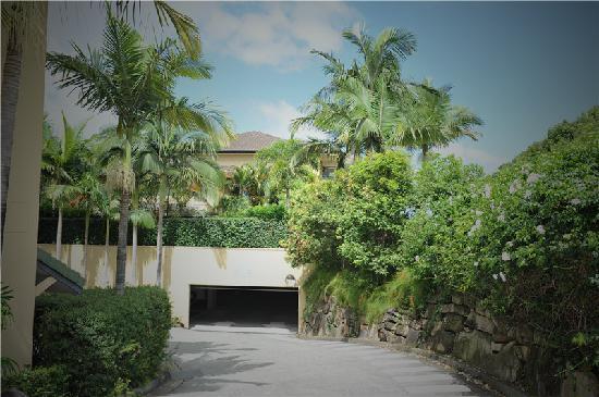 Mercure Gold Coast Resort: 酒店停车场入口