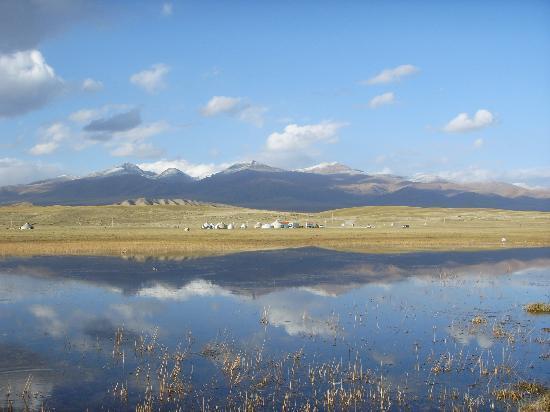 Swan Lake of Xinjiang Uygur