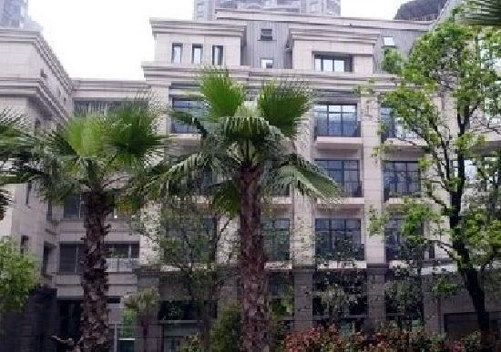 The 1st Square Hotel: 花园式的围合式庭院