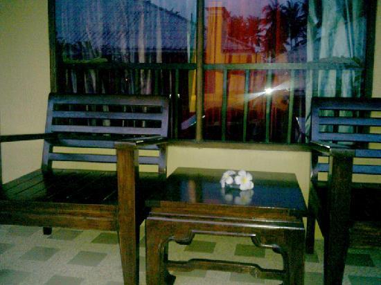 Mayaburi Boutique Resort: 阳台,我收集的鸡蛋花