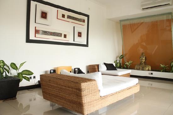 Villa L'Orange Bali: 这是房间里的沙发.