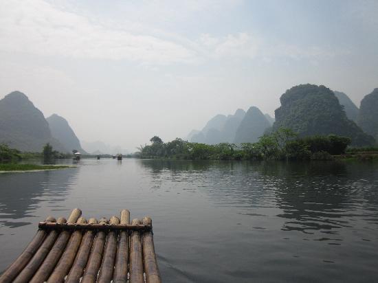 Huaqiao Hotel: 遇龙河漂流,画中静静游的感觉