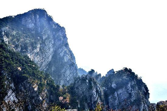 ‪Wulao Peak of Lushan‬