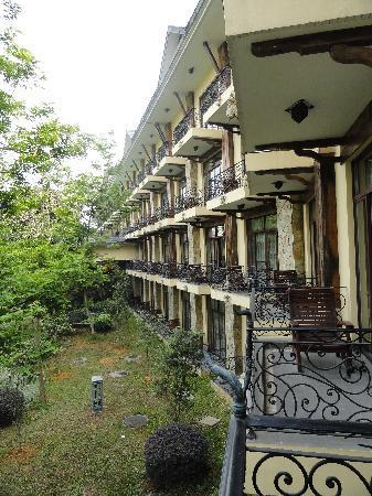 Shampoola Forest Hotel : 阳台