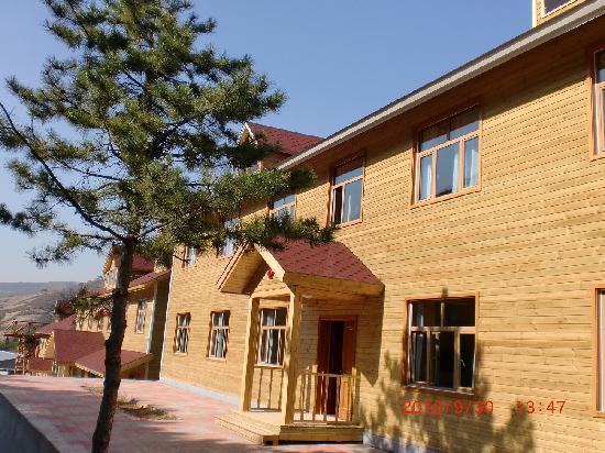 Linxue Timber House Hotel: 宾馆外部照片