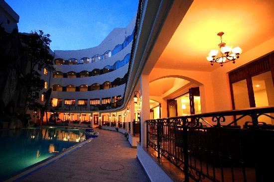 Jinglilai Resort: 西餐夜景