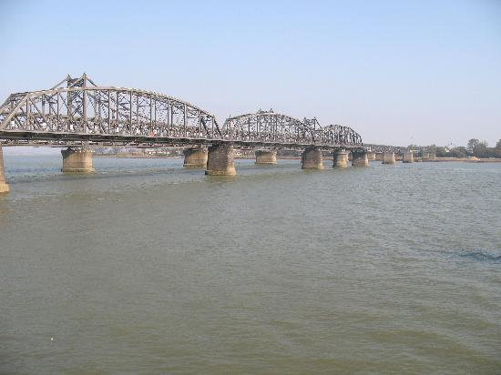 ‪Yalu River Broken Bridge‬