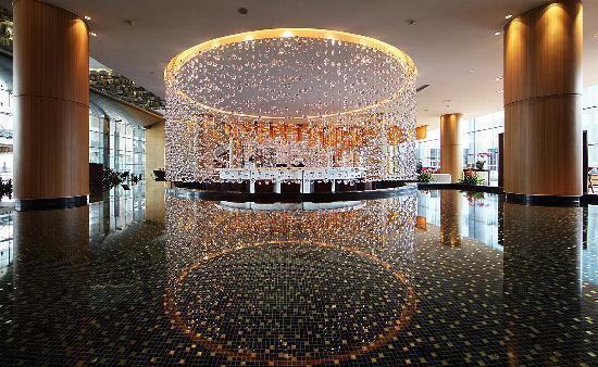 InterContinental Hotel Qingdao : 酒店大堂