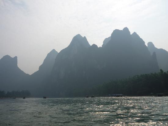 Guangxi Zhuang, Cina: 传说中的九马画屏山