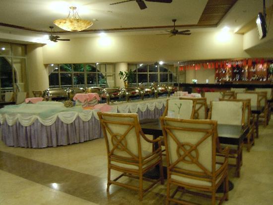 Boao Yudaiwan Hotel: 晚上可以在这里坐着三国杀,早上早饭也是这里滴。