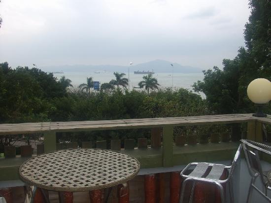 Huandaohai'an Blue House Inn: 对着海的露台
