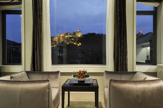 Naza Hotel: 房间