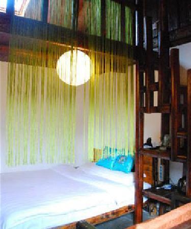 Wushuang Inn: 阁楼房