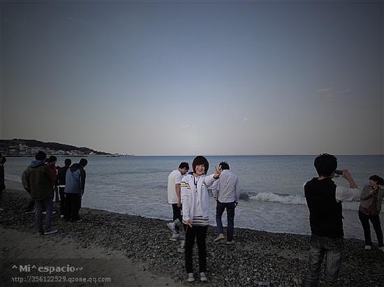 Korea Południowa: 冷死我了,但为了照相,还是死皮赖脸的笑了,呵呵