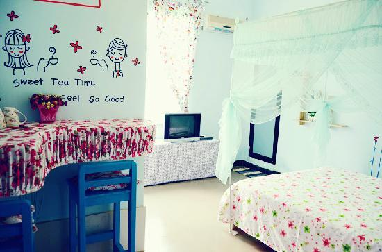 Tianlan Holiday Inn Sanya Dadonghai: 天南客栈海滩店《等待》