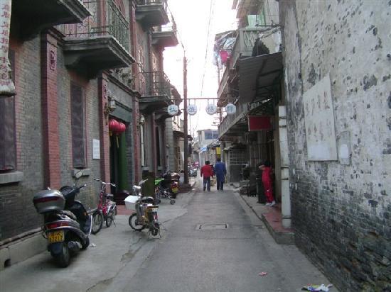 Lvyang Hotel : 小巷里的绿杨旅社