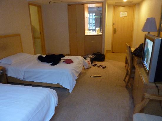 Gu Gong Hotel: 站在里面对着门口方向拍
