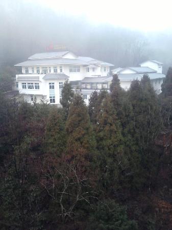 Huangshan Resort & Spa: P06-03-11_12