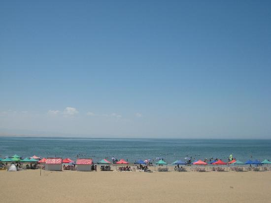 Golden Beach of Xinjiang : 金沙滩湖面远景(自己拍的哦)