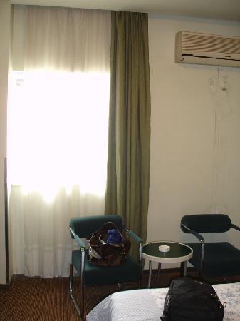Motel 168 Wuhan Dingziqiao: 小兰花床单很干净哦^^
