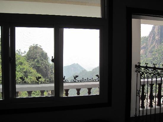 Tianmen Mountain Villa: 阳台外