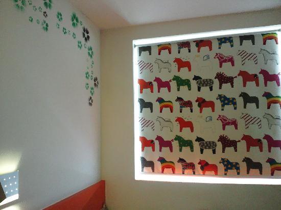 Pod Inn (Suzhou Guanqian No.1): 可爱的窗帘。哈哈