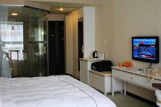 Bestel Hotel: 大床房间