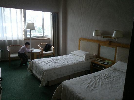Wang Jiang Hotel: 床