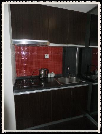 Shunhe Bainianhui Apartment: 可以煮饭滴~~但是要借厨房用具