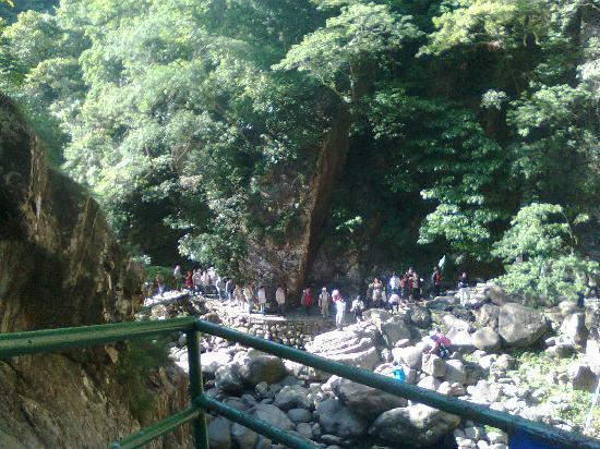 Lin'an, China: 柘林瀑就在前方