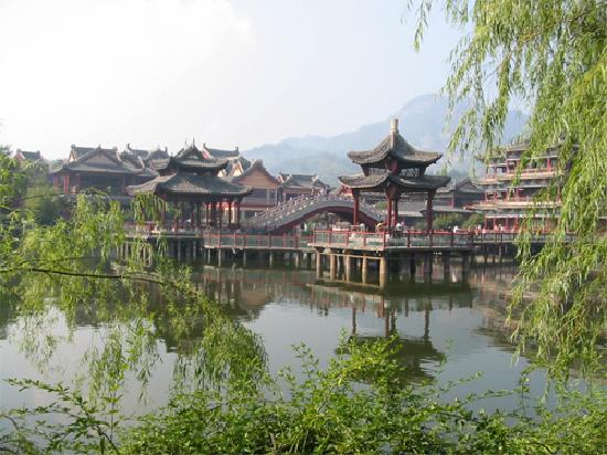 how to get to hengdian world studios