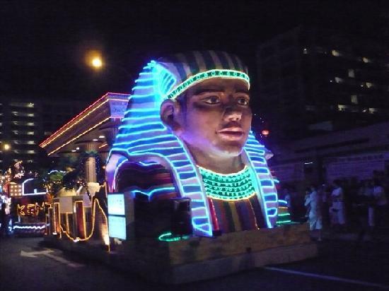 Singapore, Singapore: 新年花车表演