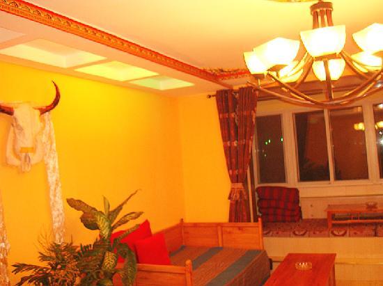 Ganglameiduo Tibetan Guesthouse : 藏式客厅