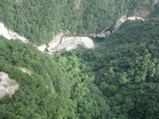 Nanxi River Yanjiang Rural Cultural Zone: 山顶有个水晶平台,站在上面俯瞰的情景