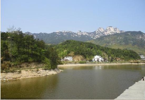 Tianzhu Mountain Lianhua River Drifting