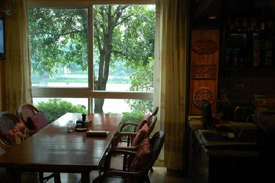 Riverside Hostel: View of the river from hostel