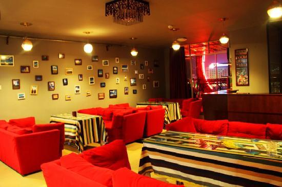 Sanya Raintree Backpacker Hostel: Lounge Bar