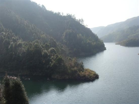 Linxiang, Kina: 我们美丽的家乡壁山、猫行桥风景