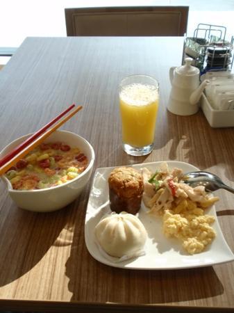 ibis Singapore Novena: 早餐