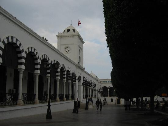 Tunis, Tunesien: 突尼斯国立大学