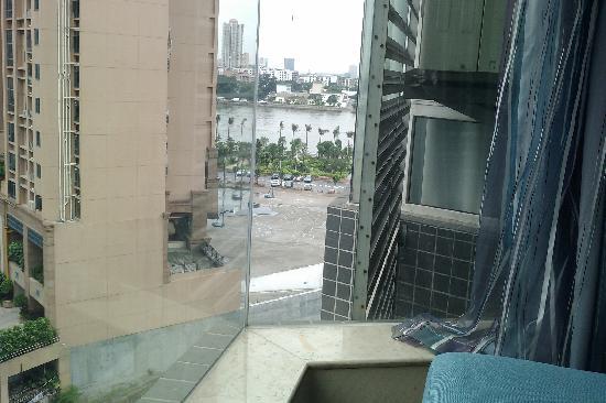 Hongfan Hotel: 窗外