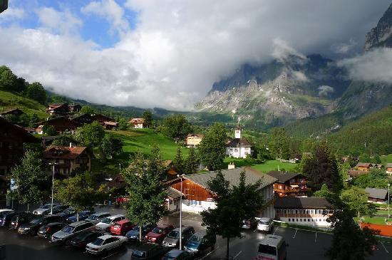 Sunstar Alpine Hotel Grindelwald: 阳台眺望